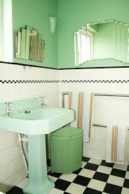 Green Tile Bathroom Ideas by Best 25 1930s Bathroom Ideas Only On Pinterest 1930s House