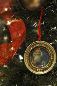 tree ornaments made from hobby lobby picture frame ornaments