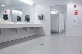 Modern Bathroom Tiling Chs Field Modern Bathrooms For A Crowd Rubble Tile