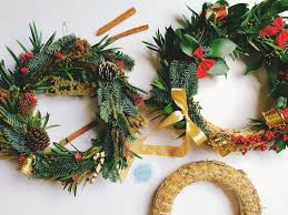 how to make a christmas wreath gathered styled