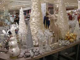 decoration lightens up dubai mall vitrines