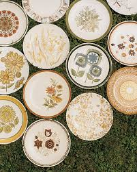 mismatched plates wedding vintage wedding ideas second dishes and tableware
