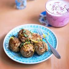 cuisiner les radis roses keftas de veau à la menthe rémoulade de radis roses