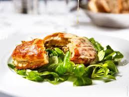 cuisiner une poule faisane poule faisane en tourte foie gras et chignons alban