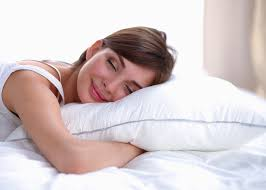 sleeping without pillow health benefits of sleeping without a pillow woman sleeping without