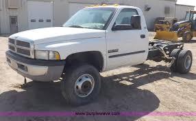 dodge ram 3500 2002 2002 dodge ram 3500 slt laramie truck cab and chassis