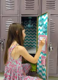 Locker Wallpaper Diy by 5 Simple Steps To Decorating A Fabulous Locker With Locker Lookz