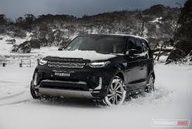 discovery land rover 2017 2017 land rover discovery sd4 hse review video performancedrive