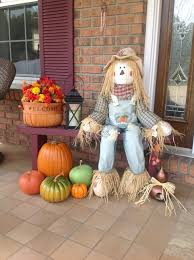 Outdoor Thanksgiving Decorations by More Outdoor Fall Decor With Scarecrow Holidays N Home