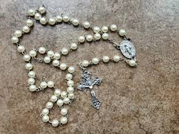 my rosary 5 ways to pray the rosary more ignitum today ignitum today