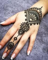 henna tattoo auf der hand ellawayfarer com pinterest