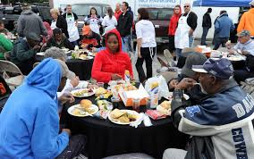 thanksgiving dinner for 2 kelleys host annual thanksgiving event for tampa u0027s homeless tbo com