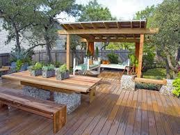 sitzmã bel balkon holz terrasse bodenbelag pergola design ideen sitzmã bel zuhause