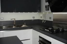 plan de travail cuisine blanc laqué cuisine laquee blanche plan de travail gris 0 cuisine de maison