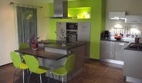 cuisine mur vert pomme cuisine chocolat et vert anis cuisine gain de place pau cuisine
