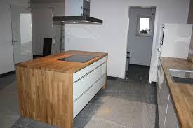 küche freistehend schreinerei küchen mit beleuchtung farbigen fronten