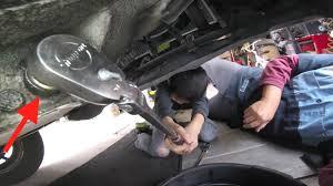 it stinks manual transmission fluid change honda civic fix it