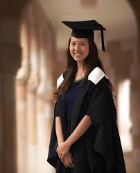 graduation robe of queensland graduation gowns uq gowns