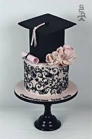 graduation cakes graduation cake by caramel doha cakes cake decorating daily