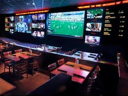 Top Sports Bars In Nyc The Top 5 Places To Watch The Super Bowl In Las Vegas Haute Living