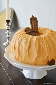 curly kitchen thanksgiving pumpkin cake