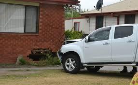 women u0027s lucky escape as car crashes into bomaderry home video