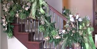 Christmas Lights For Stair Banisters How To Decorate Your Banister And Staircase For Christmas Trendy