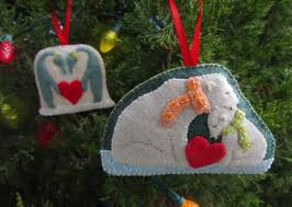 Polar Bear Family Christmas Decoration by Polar Family Felt Ornament Patterns U2013 Penguins U0026 Polar Bears