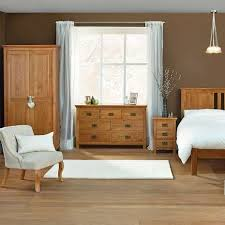 Painted Bedroom Furniture Ideas by Best 25 Oak Bedroom Furniture Ideas On Pinterest Wood Stains