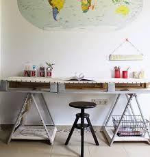 diy deco bureau diy bricolage bureau en bois palettes tabouret rond carte monde