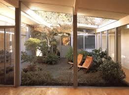 Home Courtyards 25 Best Indoor Courtyard Ideas On Pinterest Atrium House