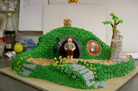 Lord Of The Rings Home Decor Best 25 Hobbit Cake Ideas On Pinterest Fairy House Cake
