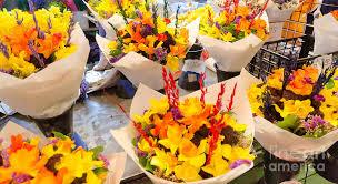 seattle flowers flower vendor pikes place market seattle wa usa photograph