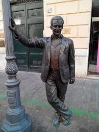 porto empedocle news porto empedocle ag via roma camilleri inaugura statua