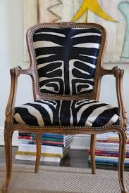 Zebra Dining Room Chairs by Best 25 Animal Print Furniture Ideas On Pinterest Animal Print