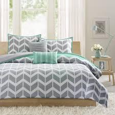 Indie Bedding Sets Amazon Com Intelligent Design Nadia Comforter Set Full Queen