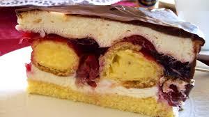 cremige kirsch sahne torte mit selbstgemachten verpoorten mini