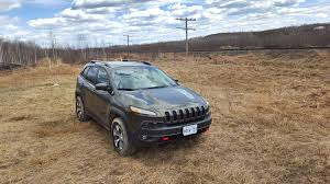 comparison 2016 jeep wrangler vs 2016 jeep cherokee