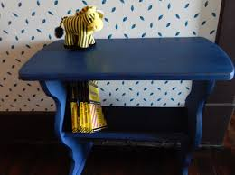 painting a table with chalk paint how to paint furniture with chalk paint dummies