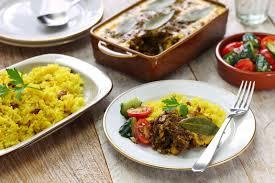 cuisine sud africaine bobotie et riz jaune cuisine sud africaine photo stock image du
