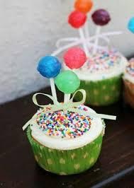 piña colada cupcakes pretty and sounds delicious cuppy cakes