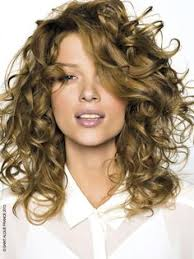 casual shaggy hairstyles done with curlingwands 58 short bobs hair cuts hairstyles 2018 curly hair cuts and