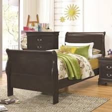 local bedroom furniture stores coaster sleigh bed find a local furniture store with coaster fine