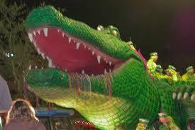 mardi gras alligator slideshow 505 18 alligator bacchagator float at mardi gras