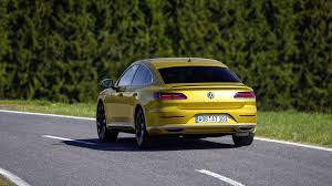 volkswagen arteon 2017 2019 volkswagen arteon first drive aiming high