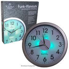 wanduhr funk funk wanduhr mit zifferblatt beleuchtung licht funkuhr