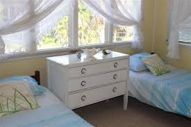 Tradewinds Bedroom Furniture by Tradewinds Lizzie Holiday Home Elizabeth Beach North Coast Nsw