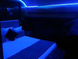 chambre leds en bleu picture of le yacht hotel