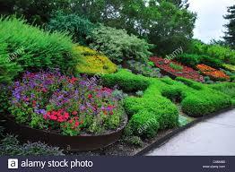 flowers garden city wall of flowers along the floral walk at red butte garden salt