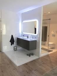 salle d eau dans chambre une chambre parentale avec dressing et salle d eau